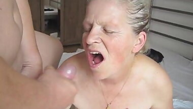 Granny Nelli Blowjob and Facial